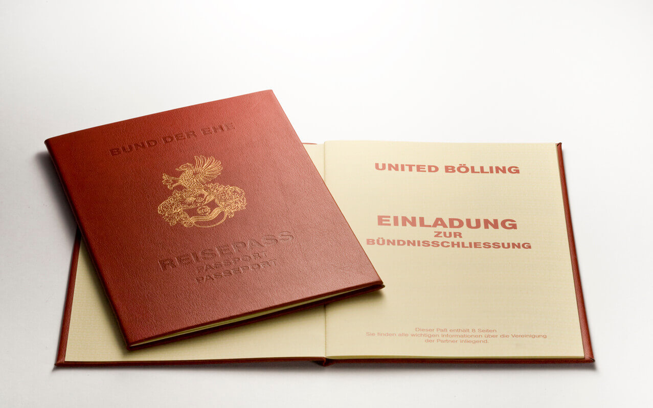 Invitation in the form of a passport