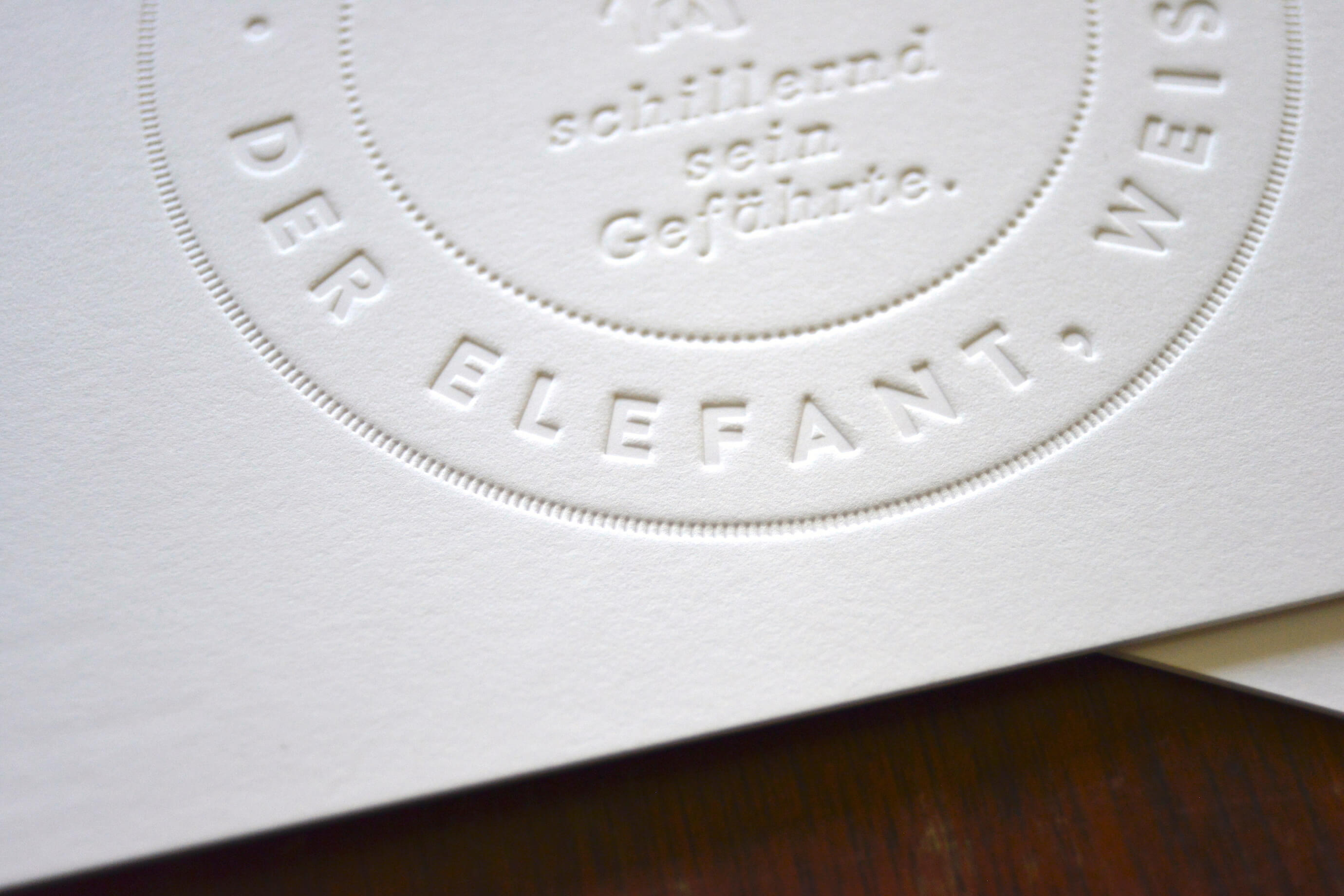 Blind embossed Christmas card – Detail